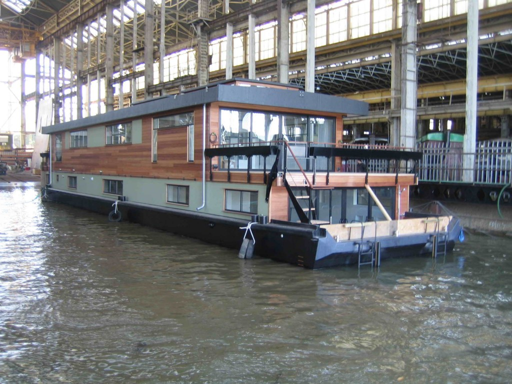 Uk Houseboat Quot Victory Quot Is Custom Designed And Build By