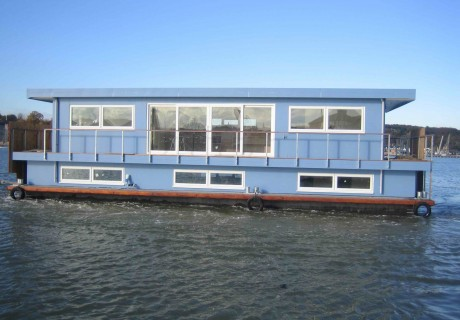 UK houseboat Sausalito by Dirkmarine