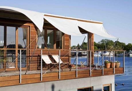 Houseboat Copenhagen by Dirkmarine