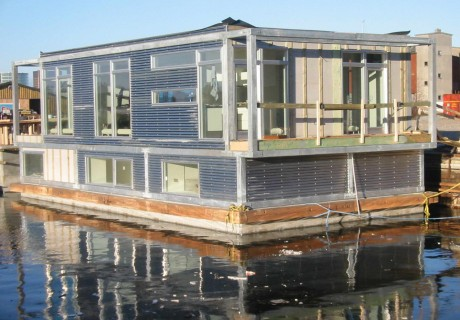 Houseboat Sealiving by Dirkmarine