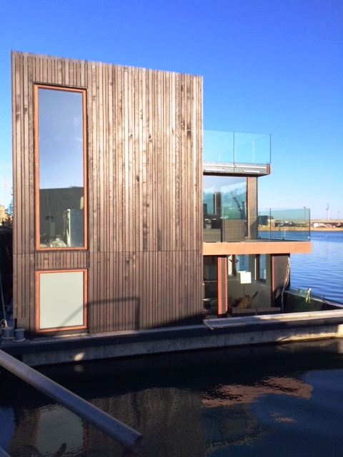 Quality Living by House on Water Ltd. / dirkmarine. Concrete hull HUBB®